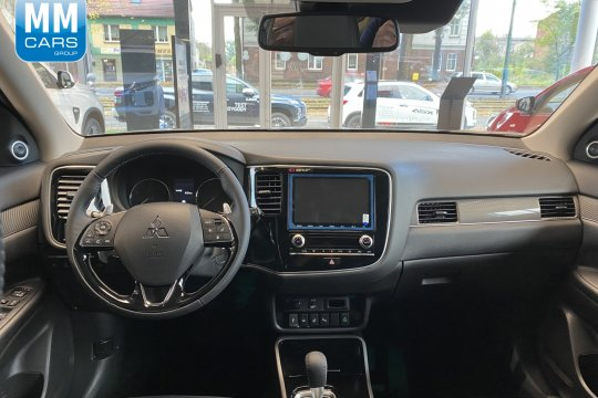Outlander Instyle plus 2.0 150 KM CVT 4WD 7-osobowy 3