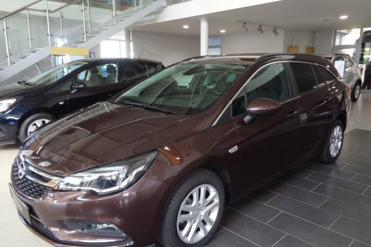 OPEL ASTRA ST 1.4 TURBO 150KM AT6 9