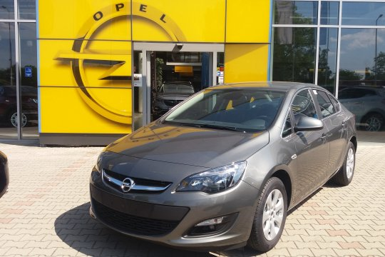 OPEL ASTR SEDAN 1.4 140KM MT6 1